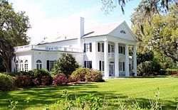 Orton_House_at_Orton_Plantation,_Brunswick_County,_North_Carolina